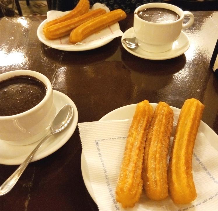Churros und heiße Schokolade in der Granja Dulcinea